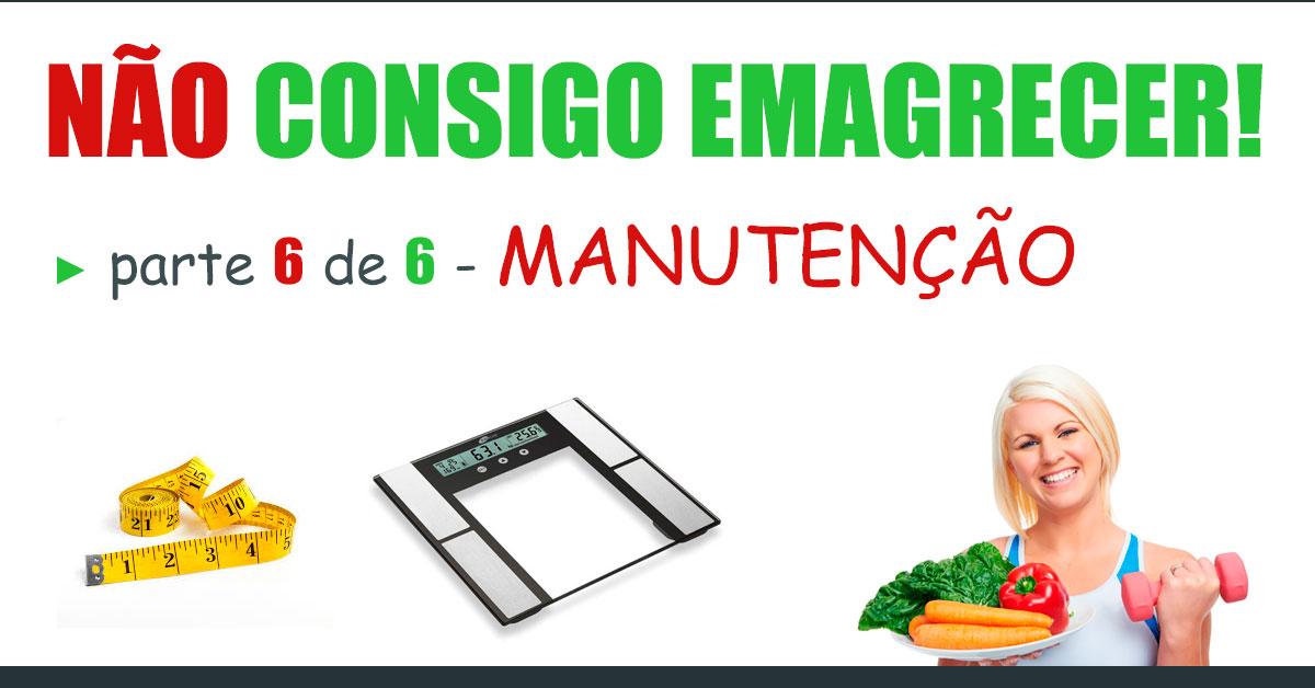 não consigo emagrecer parte 6 de 6: manutenção - imagem de uma balança, uma fita métrica e uma mulher segurando um prato de vegetais em uma mão e um halter na outra