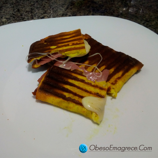 Receitas Low Carb Simplificadas | Foto do Misto quente Com Panini Low Carb